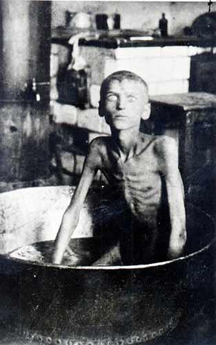 Фотографии жертв голода в Поволжье 1922–1923 годов