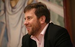 П. Мультатули, известный исторический публицист и племянник царского повара на презентации собственной книги. Фото KM.RU