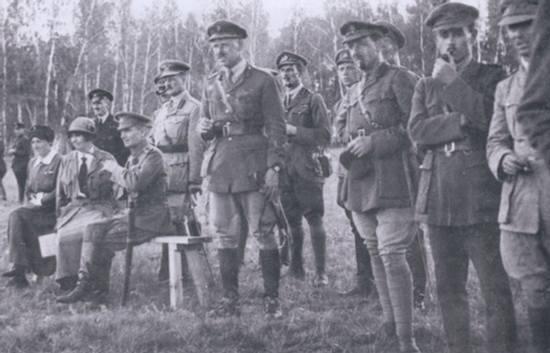 Верховный правитель Колчак и британский генерал Нокс